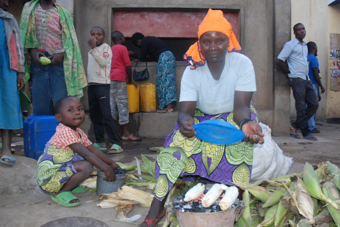 Afbeelding: Hoe je met direct geld geven mensen uit de armoede helpt